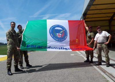 12 anpdi paracadutistigenova lanci addestramento Reggio Emilia 22-07-18