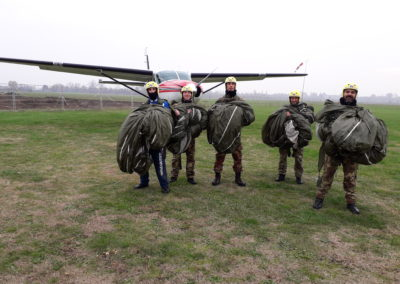 13 paracadutisti anpdi genova brevetto 114esimo corso Reggio 02-12-18